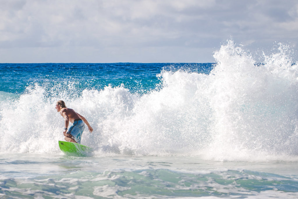 How to spend a day on the North Shore of Oahu - Banzai Pipeline